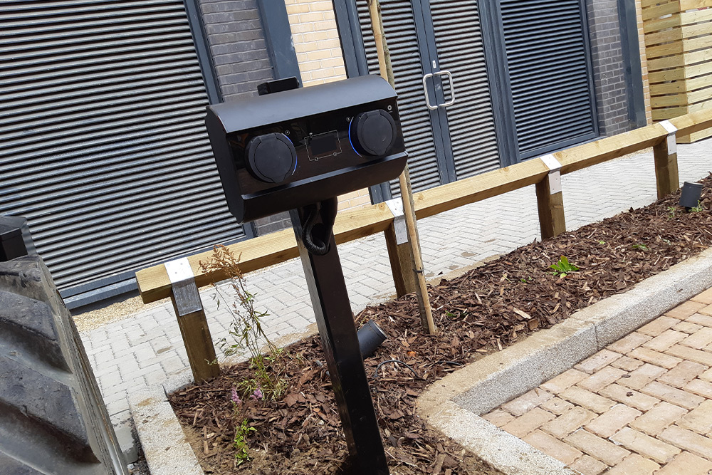 dual charging point for electric cars